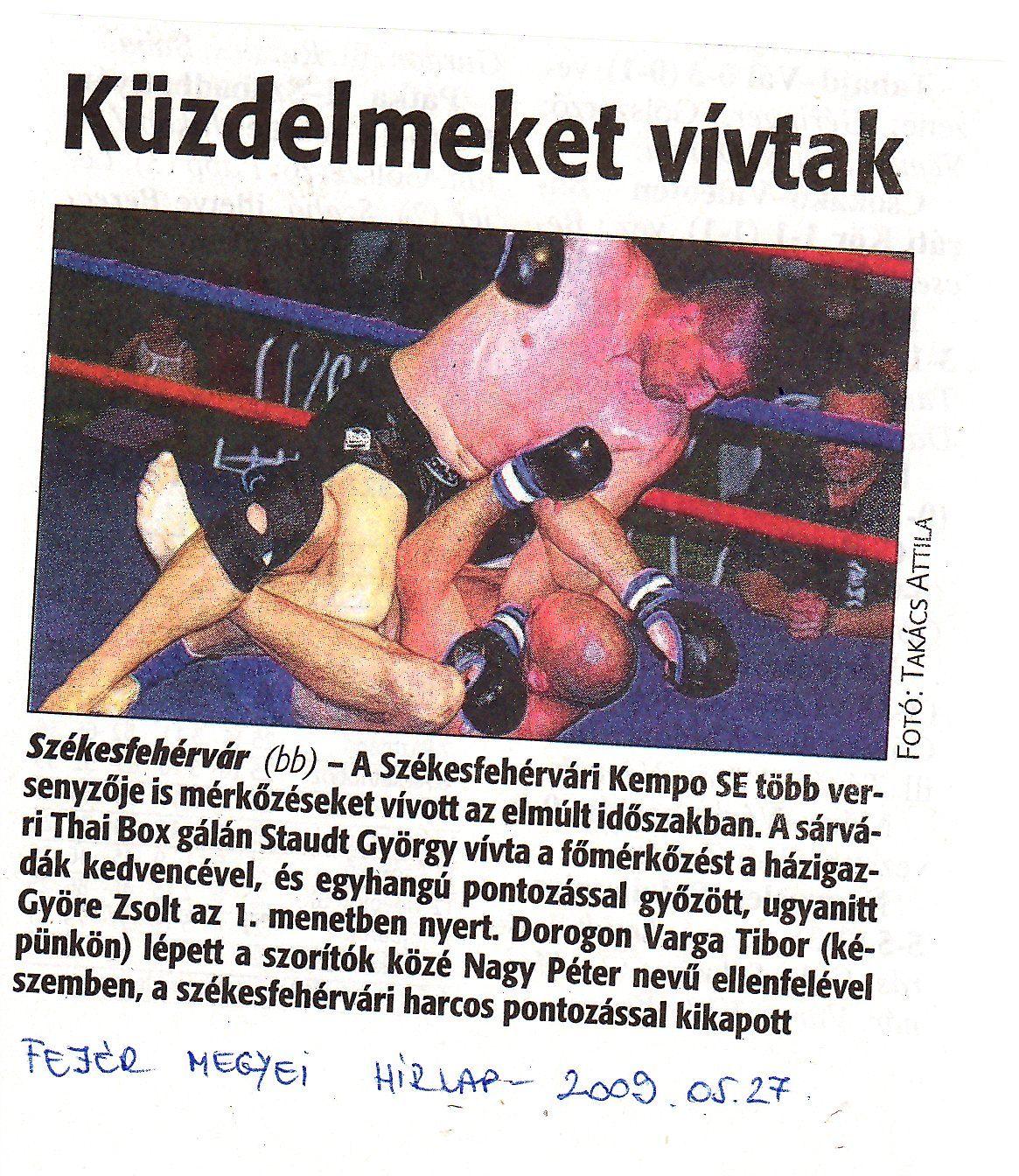 újság008